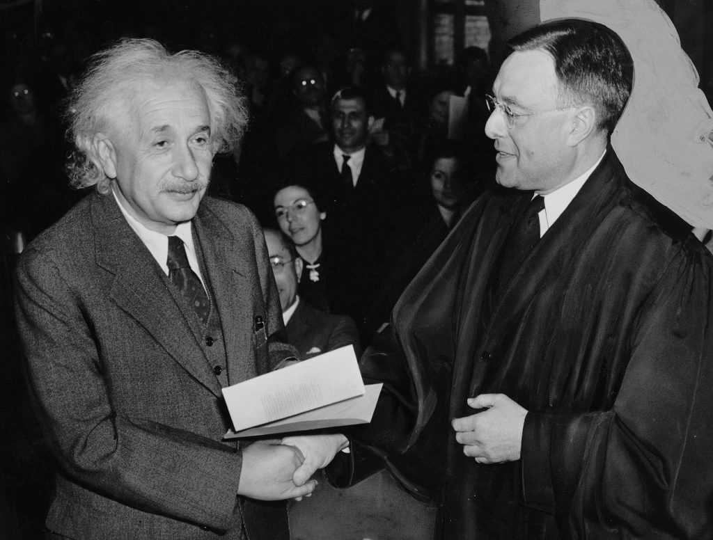 Albert Einstein, základná myšlienka pre laserový stroj