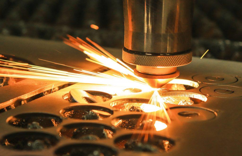 rezanie laserom, laserový lúč